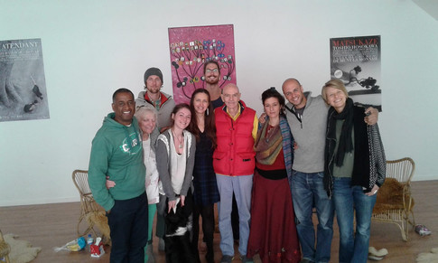 Gérald Angama avec Léonard Orr et le groupe des particiens en Rebirth Avril 2017