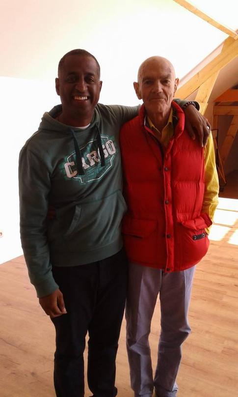 Gérald Angama avec Léonard Orr