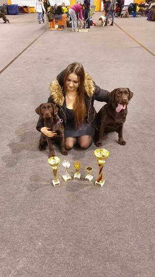 Es ar Ruukiu un Holly pēc uzvarām Valmierā