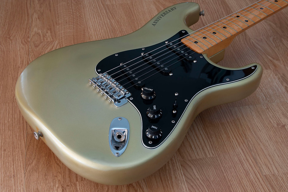 Fender 25th Strat 5.jpg