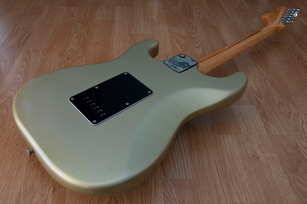 Fender 25th Strat 4.jpg