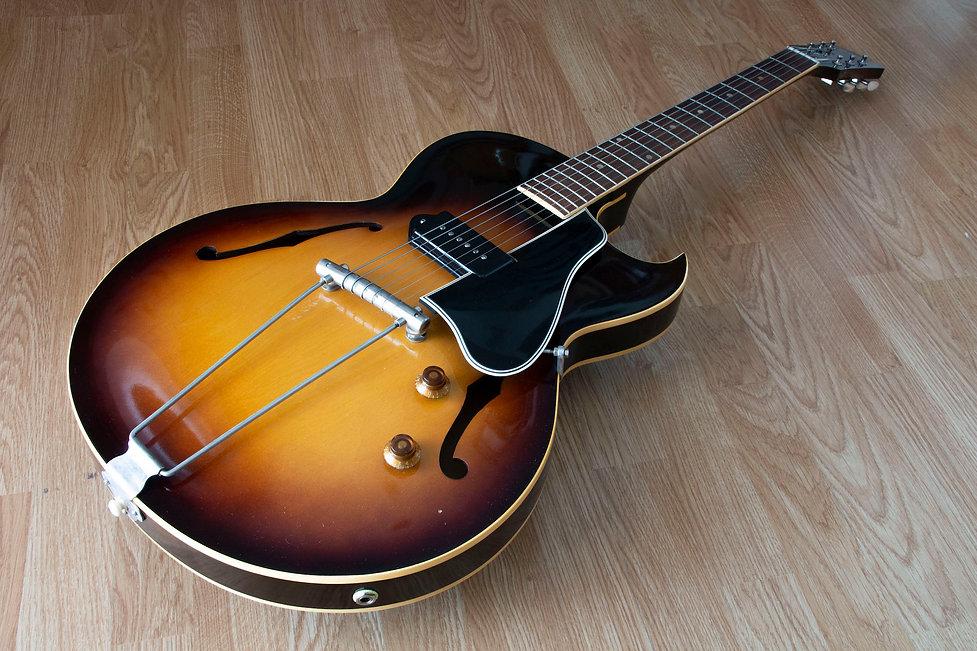 1956 Gibson ES-225T 1.jpg