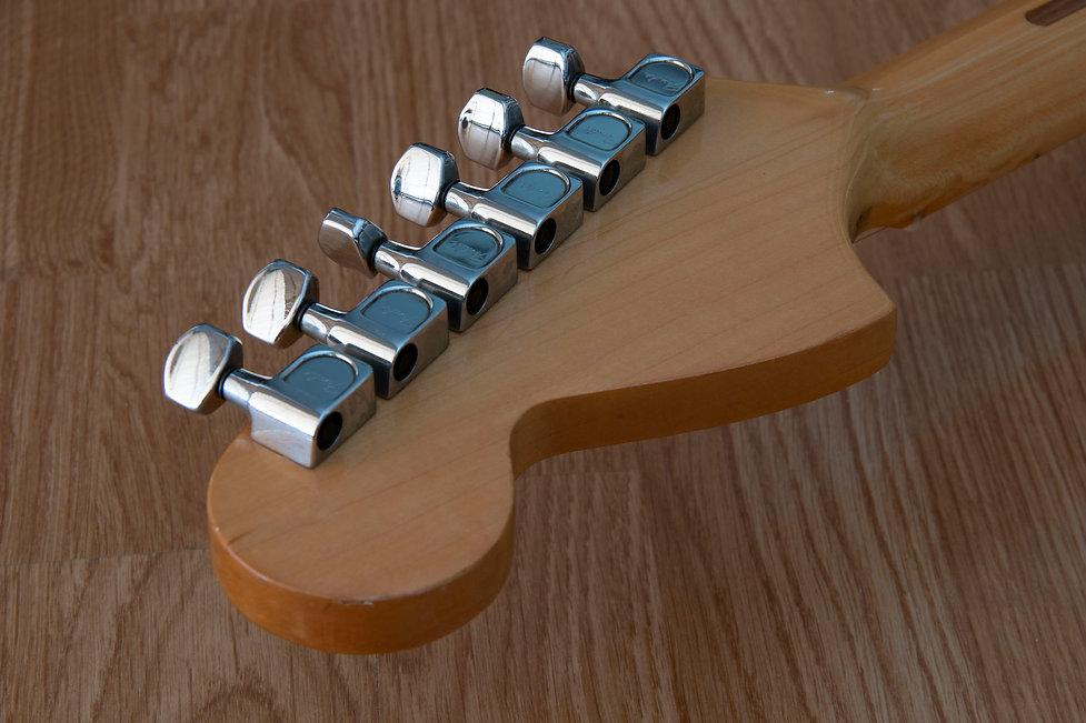 Fender 25th Strat 11.jpg