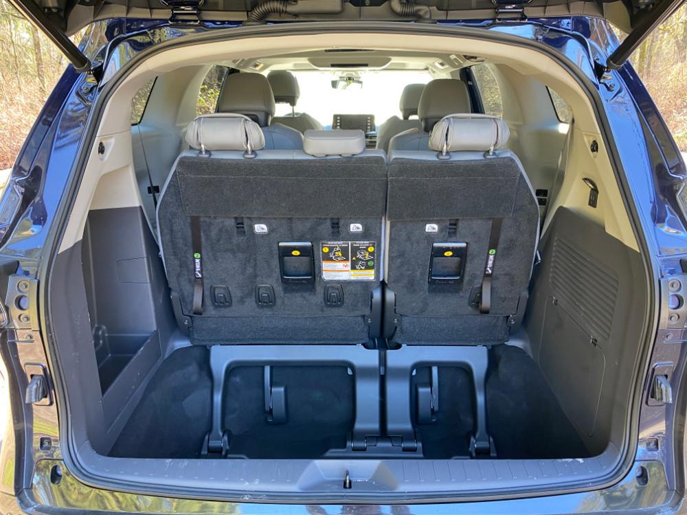 Toyota Sienna Hybrid AWD