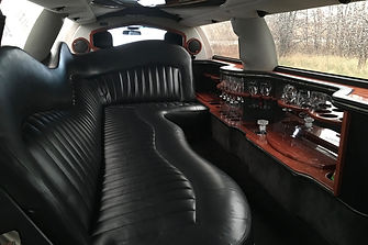 Towncar_Interior_daytime-2-scaled.jpg