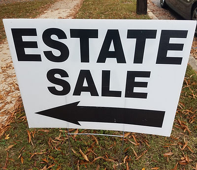estate sale sign with left arrow.jpg