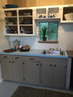 The Dinghy Kitchenette