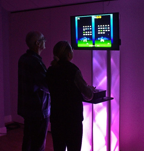 retro-arcade-games-station-hire2_edited.