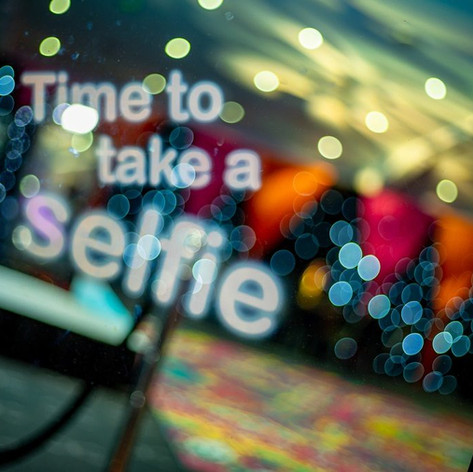 magic selfie mirror photobooth hire.jpg