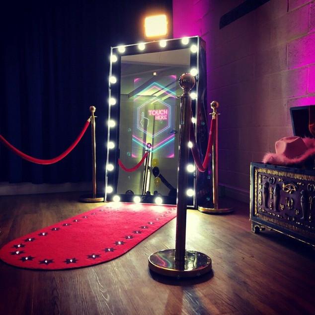 Hollywood frame magic selfie mirror hire
