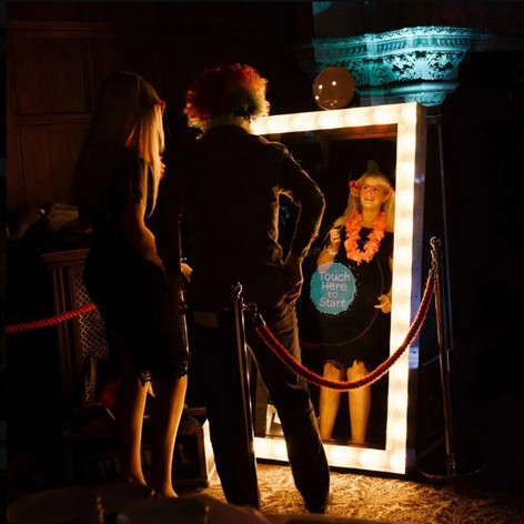 Hollywood Frame Magic Selfie Mirror.jpg