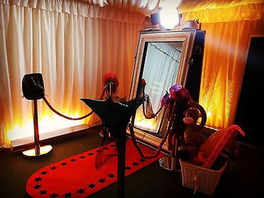 Hire-Magic-Mirror-Photobooth-Selfie-Phot