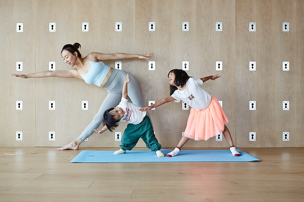 Fun yoga lifestyle photo with kidos in Xiamen, China