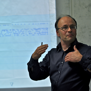 Hugh Collins Rice delivering analyis masterclass at the Accademia Musicale Pescarese