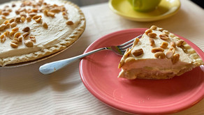 Banana Cream Pie with Whipped Topping (gluten/grain-free and refined sugar-free)