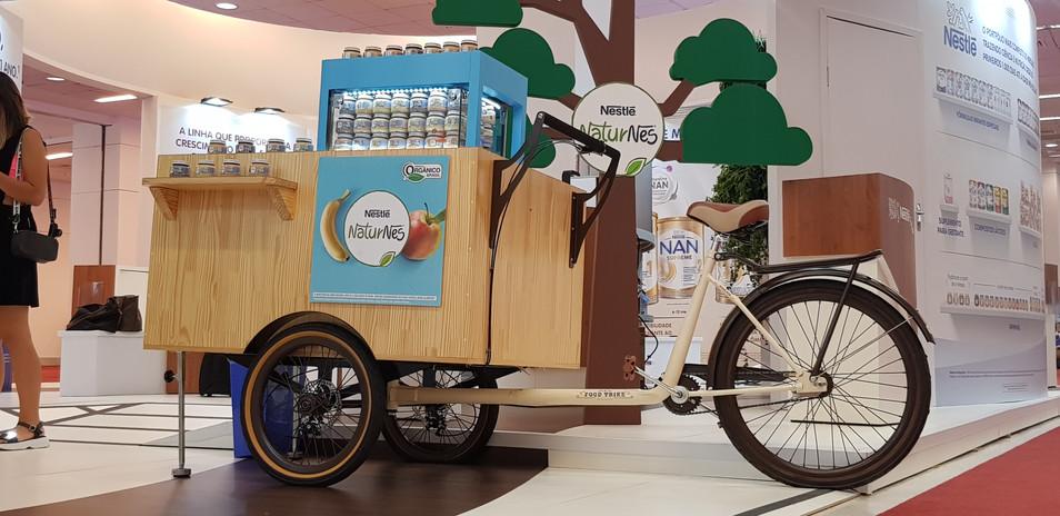 Visão Geral do Stand Nestlé e posicionamento do Foodtrike em destaque