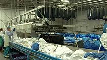 конвейер для прачечной, конвейер купить для химчистки дёшево, транспортёры для вещей, склады униформы, как сэкономить площадь на прачечной, оборудование для прачечной