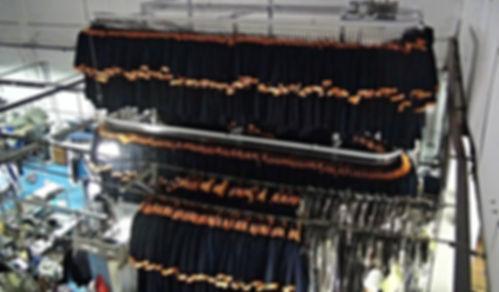 Конвейер для одежды склад, конвейер для одежды в магазин, оборудование для склада хранения одежды, автоматизация текстильного производства, хранение униформы на складе, автоматическая выдача готовой текстильной продукции, автоматический гардероб, гардероб конвейер, гардероб транспортёр, гардероб с системой поиска,