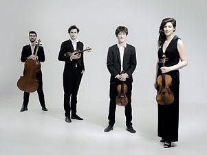 Photo Quatuor Hanson Black et Instrument