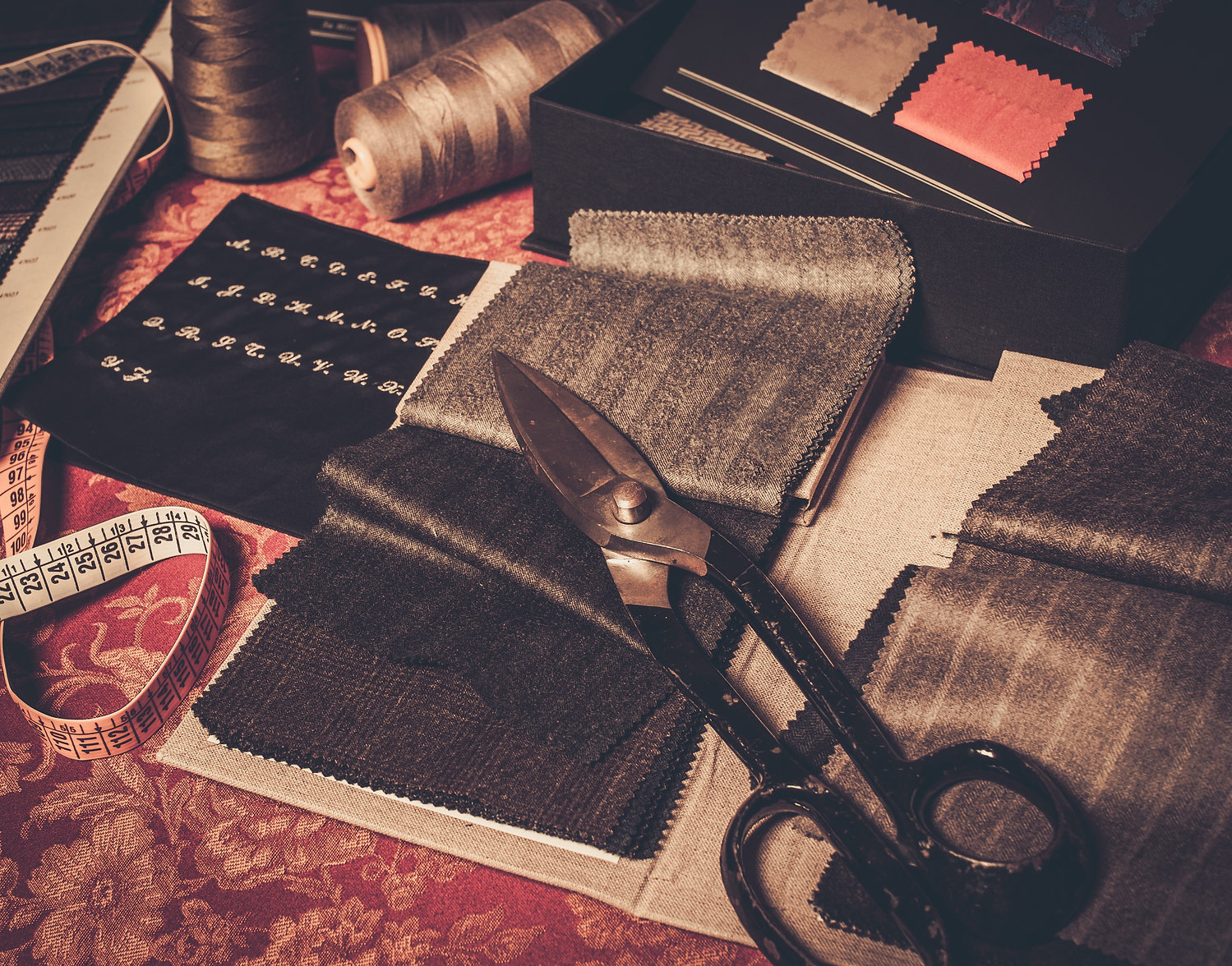 cloth-samples-for-custom-made-suits-and-