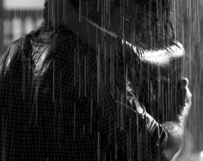 126 Il pleut... quel bel instant d'érotisme !