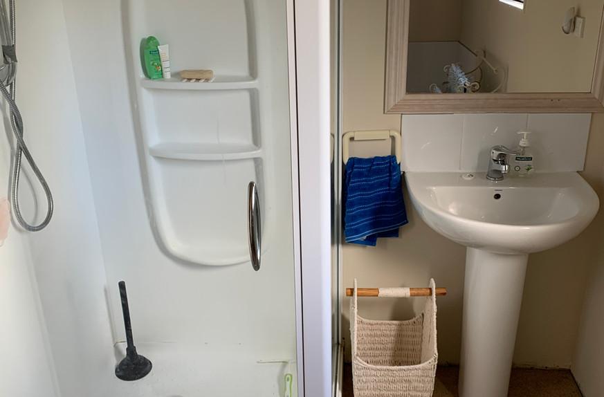 Ref 18 bathroom