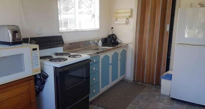 Ref 19 Kitchen.jpg