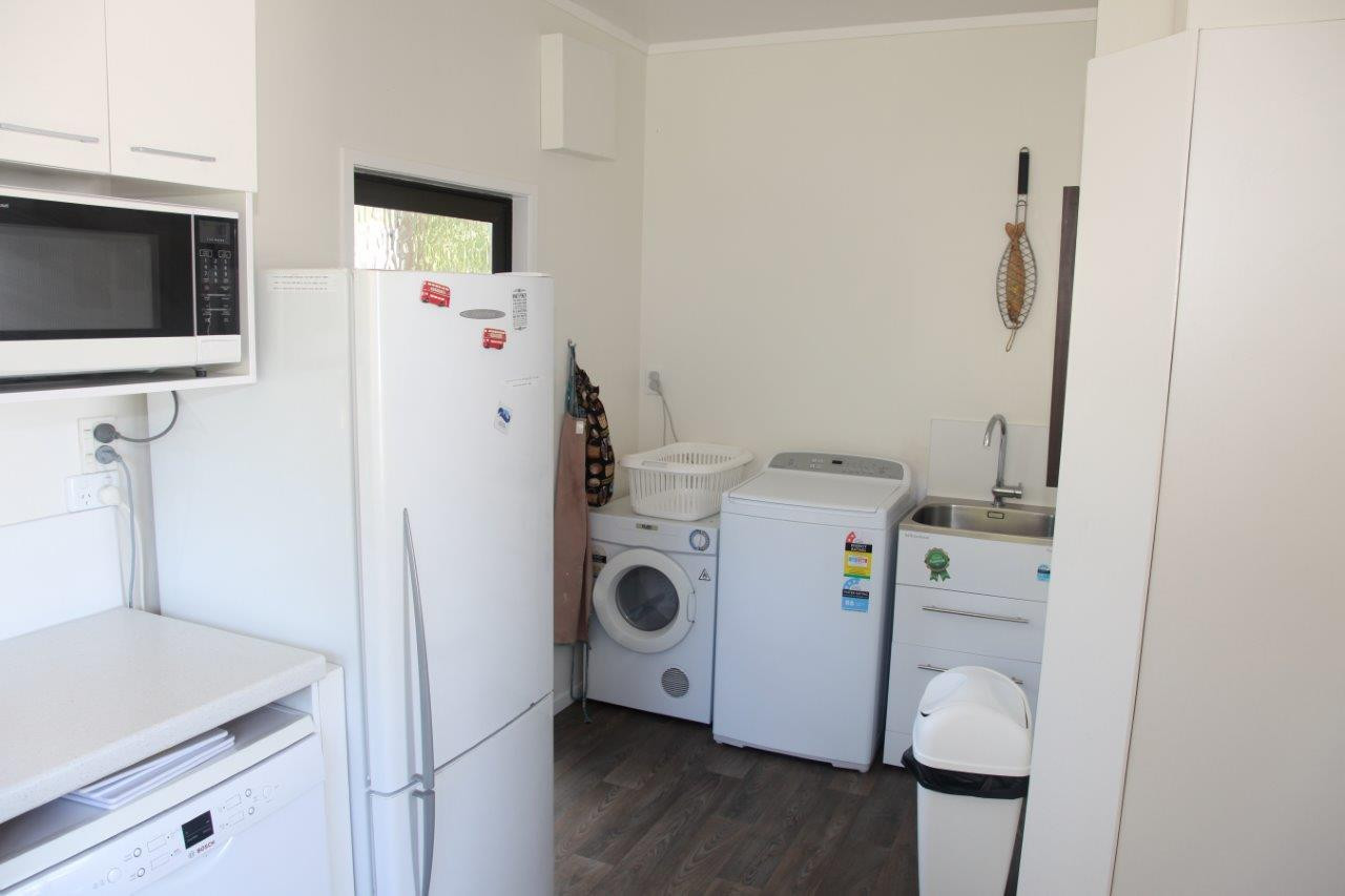 Ref 8 kitchen / laundry