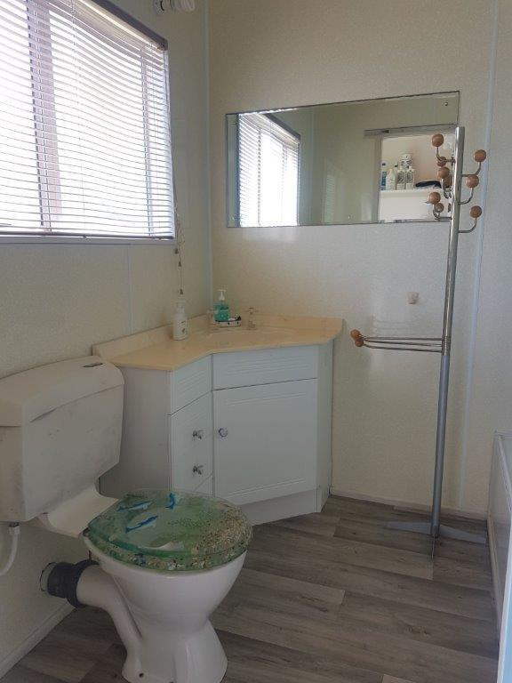Ref 19 Bathroom.jpg