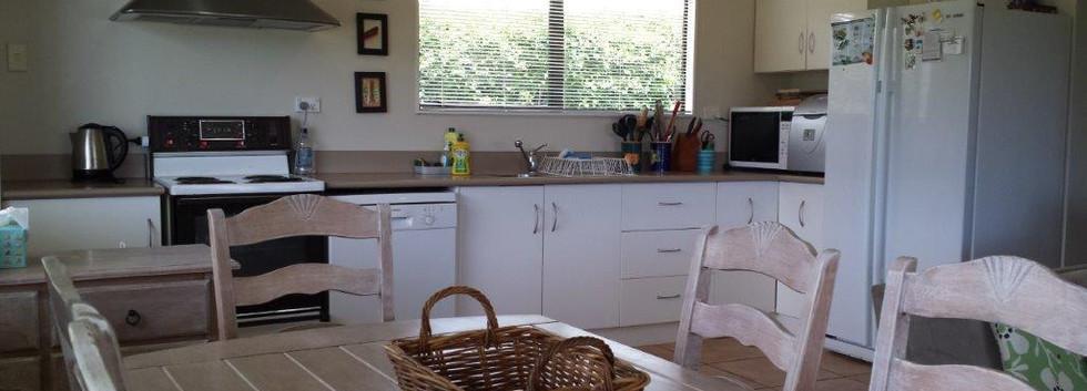 Ref 18 kitchen.jpg