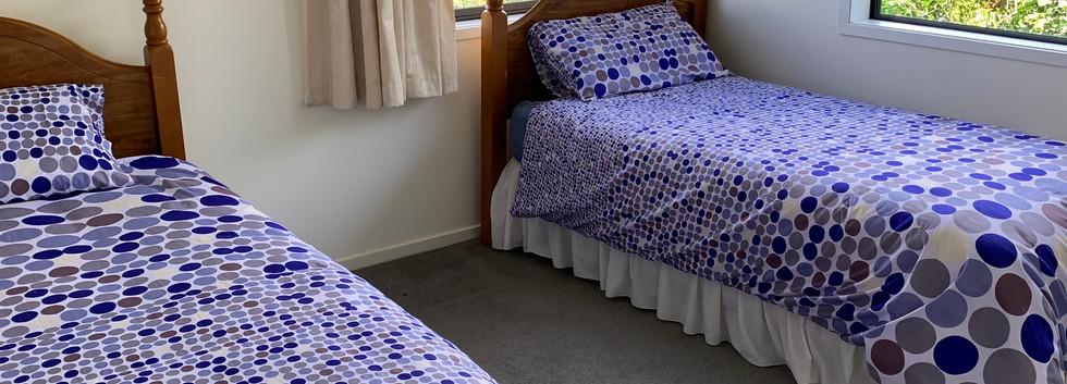 Ref 64 single beds