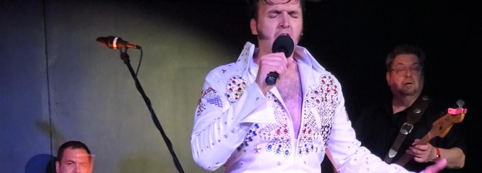 Elvis 2.jpg
