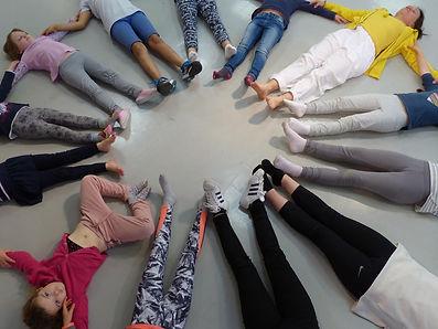 Yoga Oyat cercle enfants.jpg