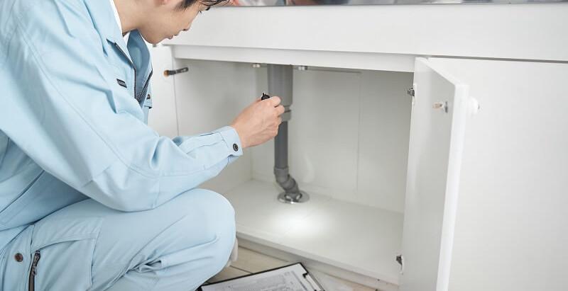 賃貸物件での漏水の修理費を負担するのはだれ?アパート経営での水漏れの対処法。