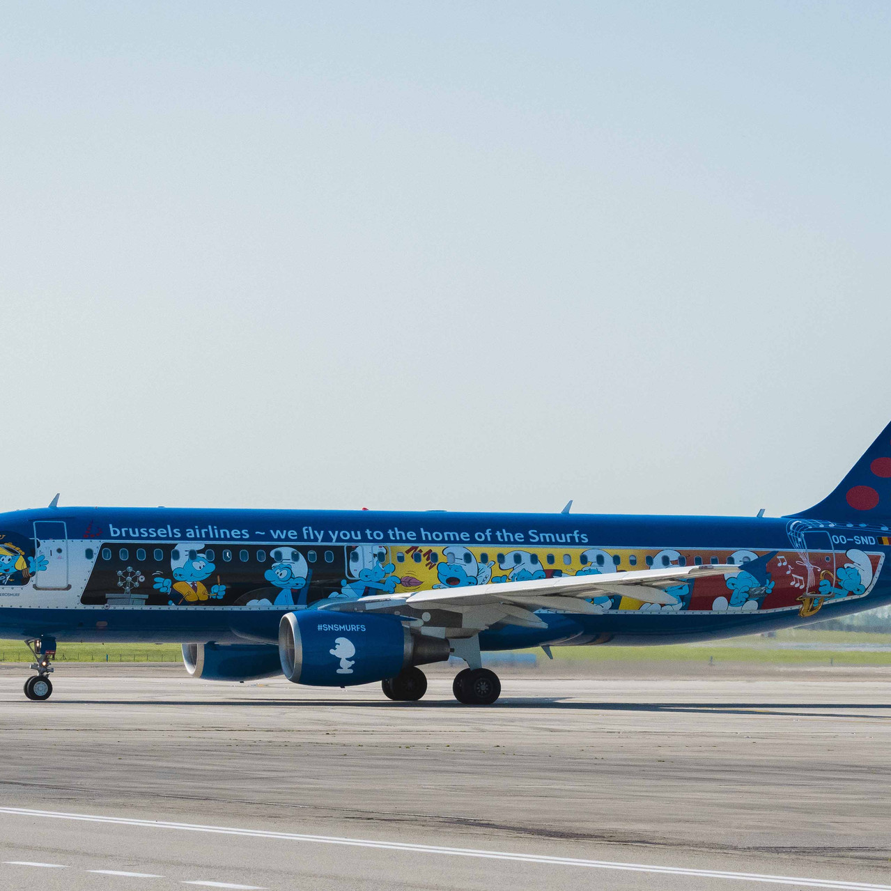 009_Brussels Airlines_smurfs
