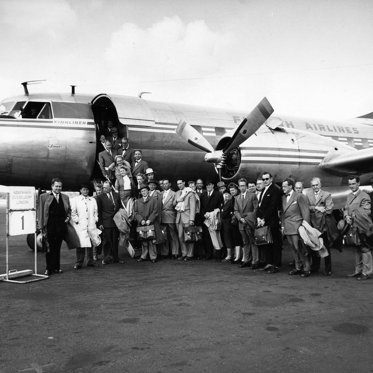 000_inauguration flight to London1954_Fi