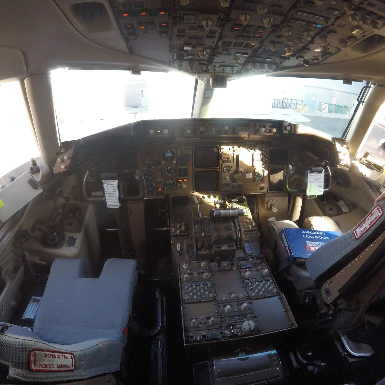 000b_Delta 757