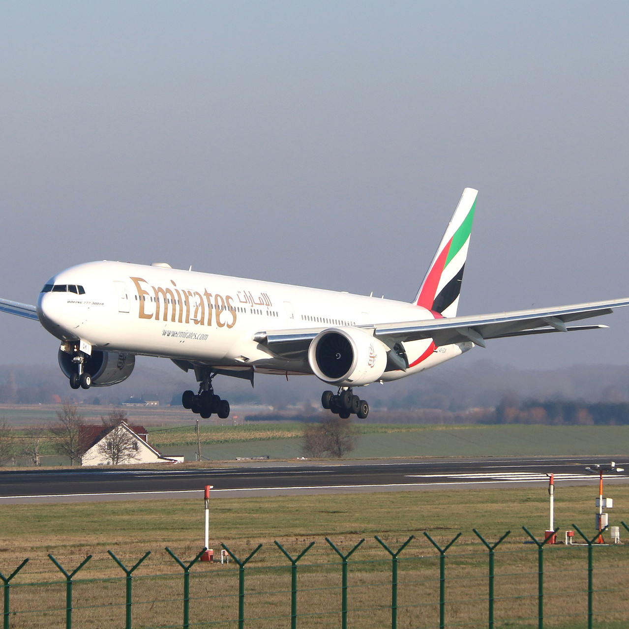 015_Tyler McDowell_3422_Emirates 777 fin