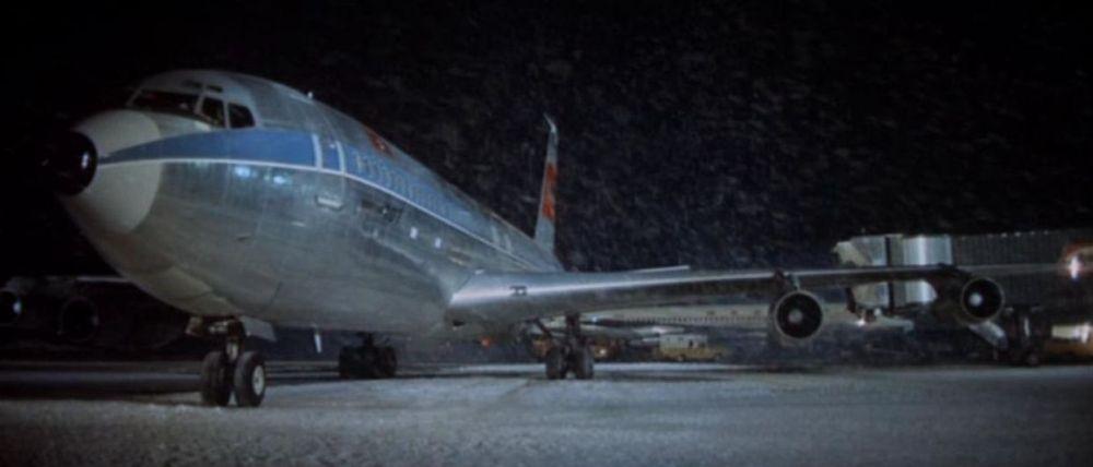 Airport_004_departure_N324F