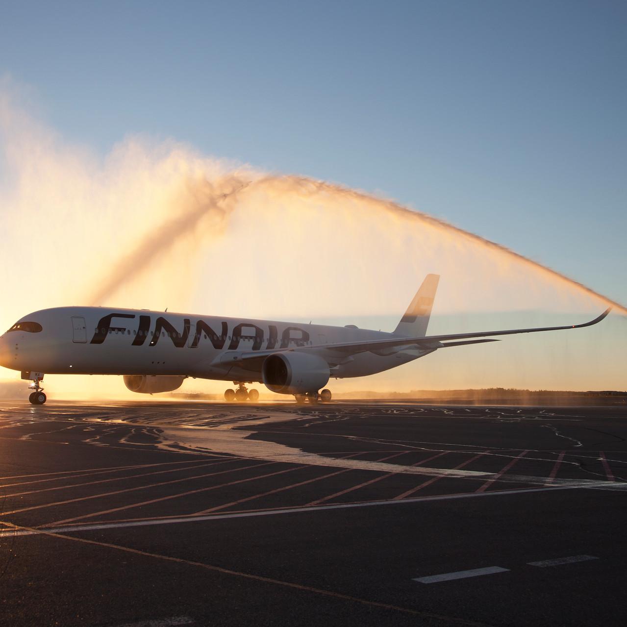 001_A350 XWB delovery arriving in Finlan