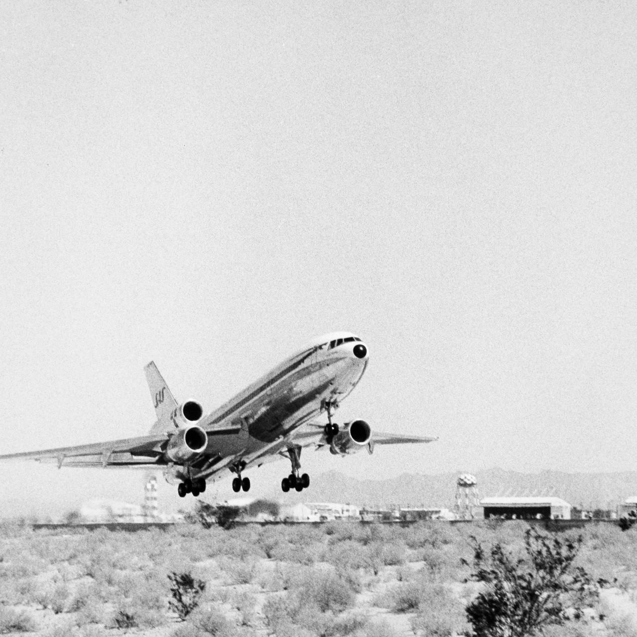 004_1976_DC-10-30_image-SAS