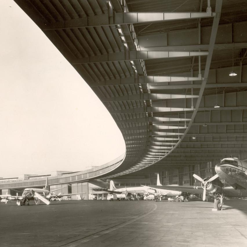 009_Berlin_Tempelhof_1960_11_Author's co