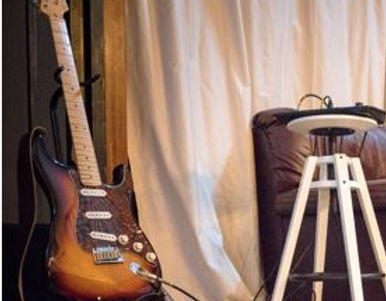 Guitar snipped.JPG