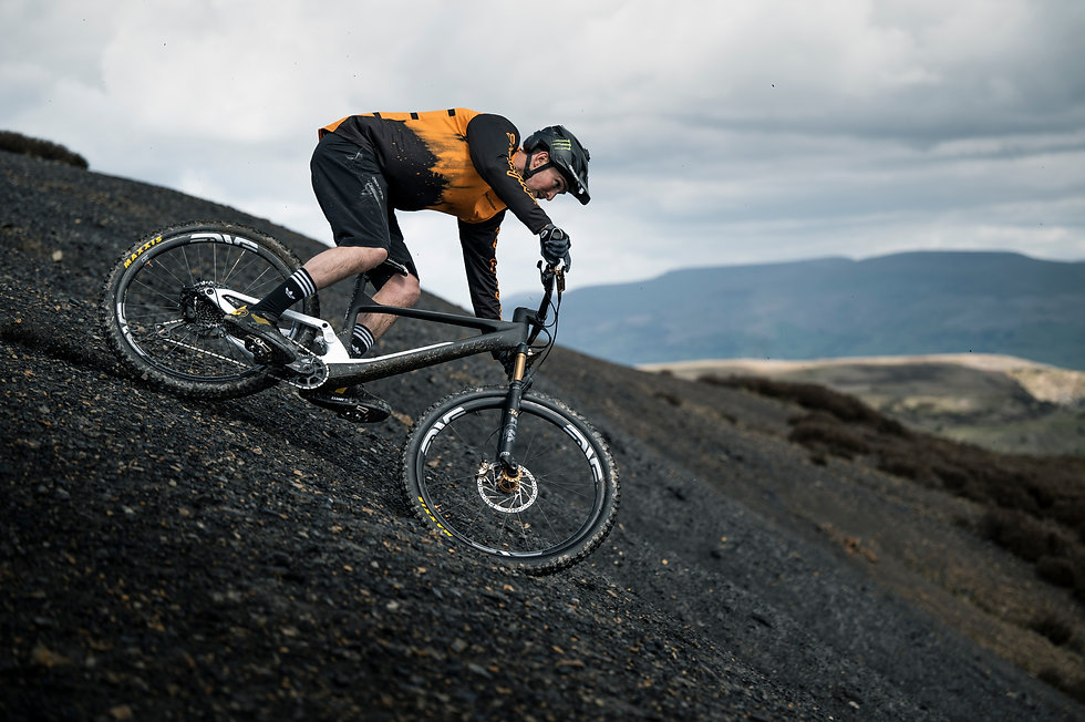 SCOTT-sports-bike-actionimage-brendan-fairclough-2022-spark-photo-by-roo-fowler_RZ69427.jpg
