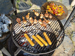 """Loads of grilling surface - 24"""" diameter"""