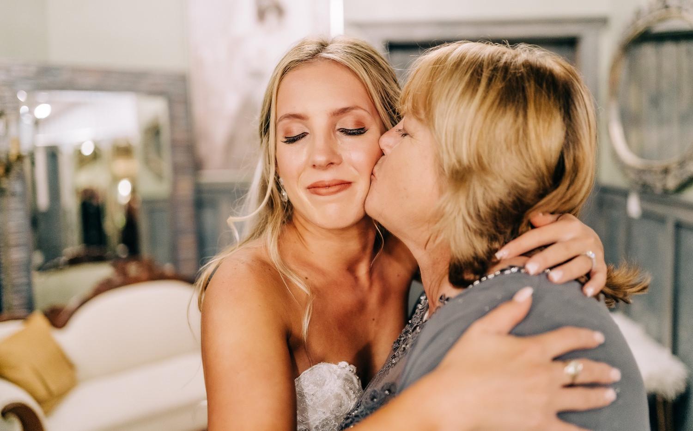 bride kiss.jpg
