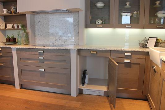 Möbeleinbau Schlaucheinzug Küche