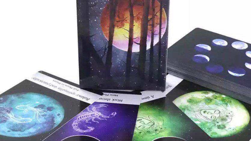 Tarot Moonology