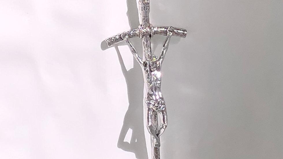 Crucifix mural  métal argenté