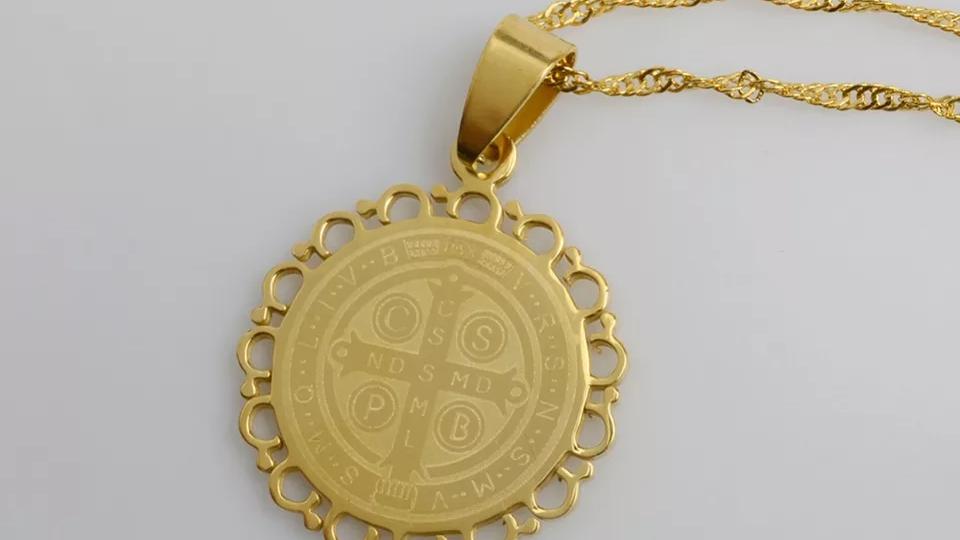 Pendentif  Médaille de Saint Benoît